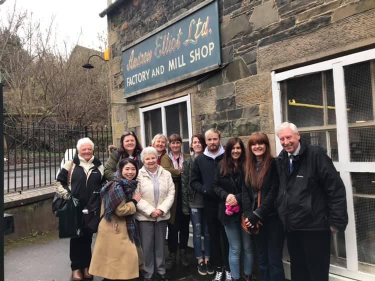スコットランドのキルトメーカーの皆さんととタータン工場見学へ