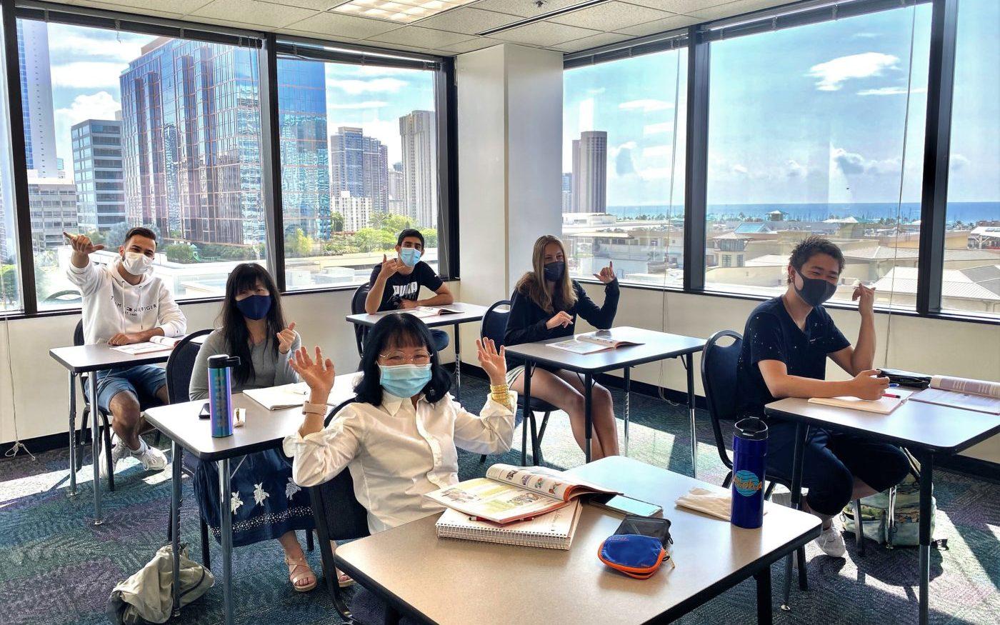 語学学校 Global Village クラスルームでの学生たち